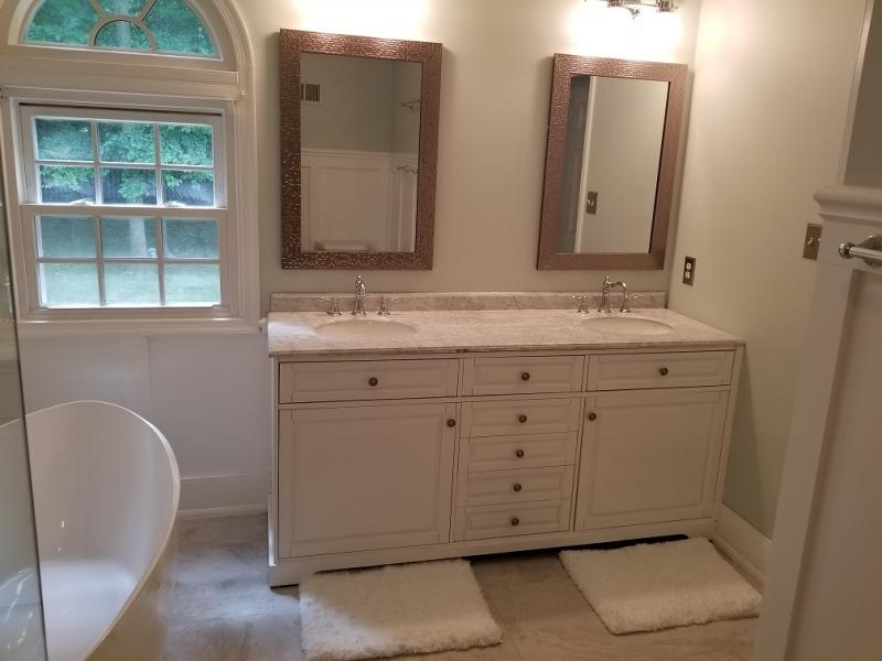 Master bathroom: Double sink