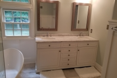 Master bathroom: Double sink