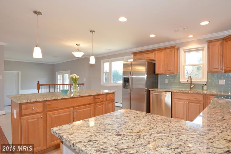 Light color scheme kitchen